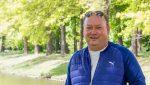 'Vrijwilligerswerk brengt je dichter bij jezelf' – Charlie van Poortvliet deelt zijn verhaal